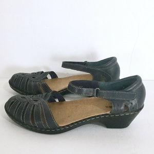 Clarks Slingback Closed Toe Sandals 8.5 w Blue